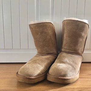 tan fur boots - size 6 barely worn